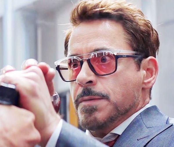Неймар носит очки почему